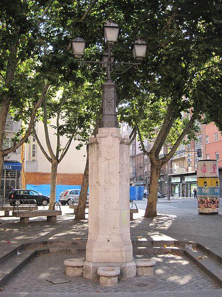 450px-Fuente_Caño_Argales
